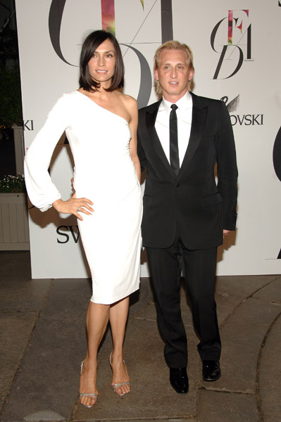 Famke Janssen in David Meister, with the designer.
