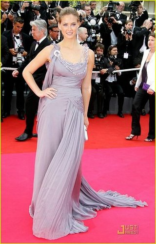 Bar Refaeli Does the Cannes Cannes