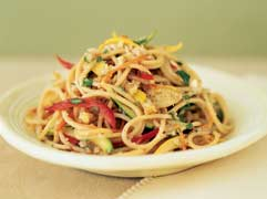 Healthy Recipe: Spaghetti With Summer Squash and Peppers
