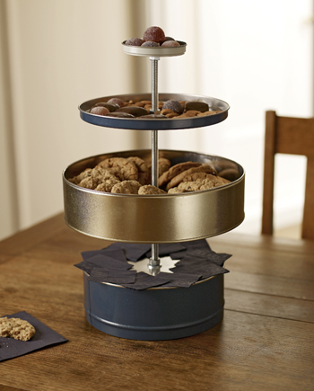 If you have leftover cookie tins from the holidays, ReadyMade can show you how to turn them into this cool stand.