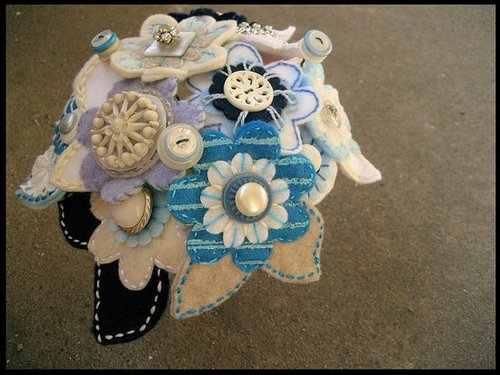 Etsy Find: Felt Flower Button Bouquets