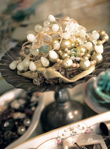 This stash of vintage necklaces is stunning, don't you think?