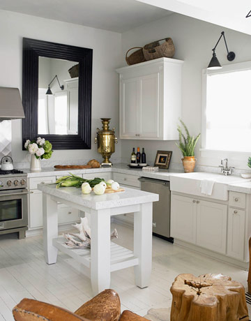 Who can argue with a clean and functional kitchen?