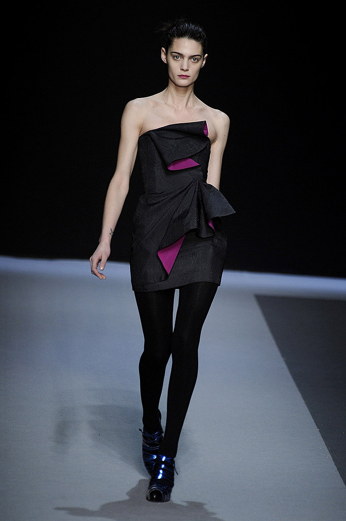 2009 Fall Paris Fashion Weel: Emanuel Ungaro