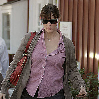 Photos of Jennifer Garner and Violet Affleck Running Errands in LA