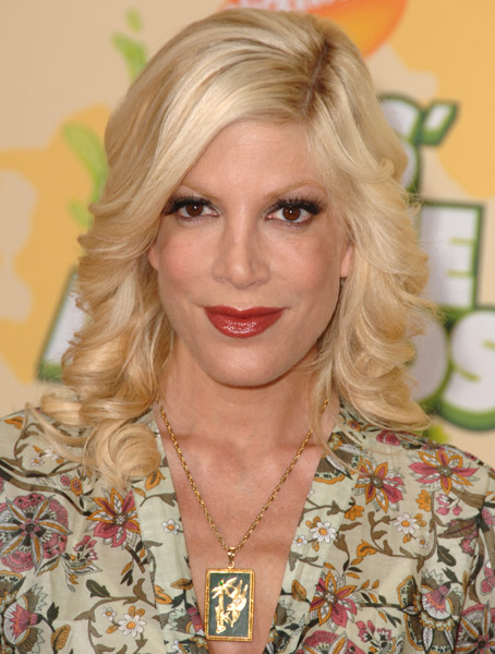 Tori Spelling Photos