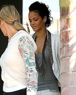 Photos of Rihanna Arriving in Hawaii With Friends