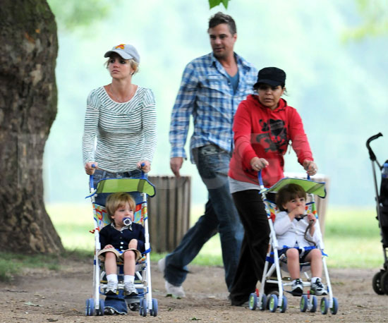 Condensed Sugar: Britney Brings Her Sons and Boyfriend to Britain