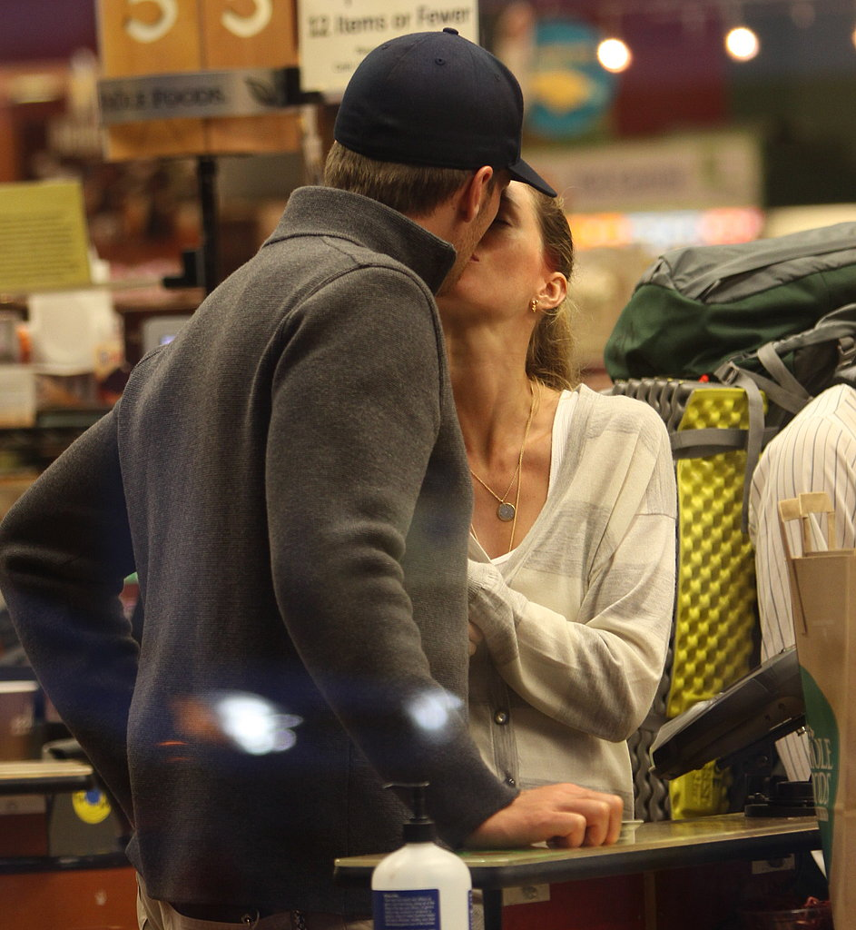 Tom and Gisele Grocery Shopping