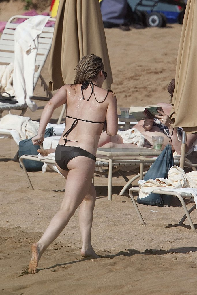 Hilary Duff in Hawaii