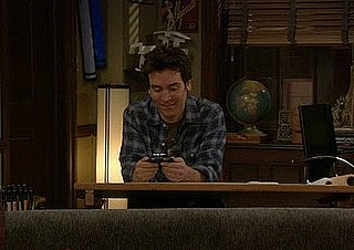 Ted Violates the Three-Day Texting Rule on How I Met Your Mother