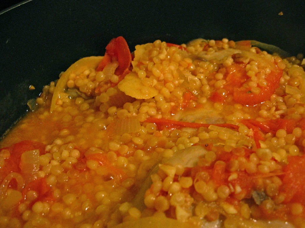Chicken And Israeli Couscous with Tomato And Lemon