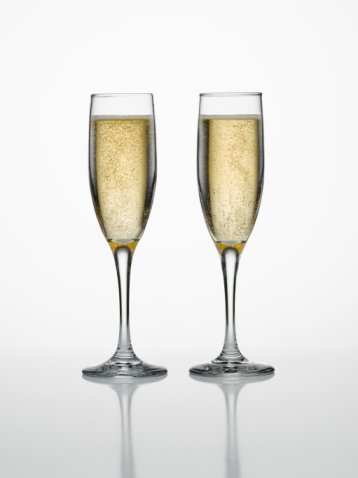 Serve bubbly only for the wedding toasts.