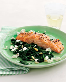 Fast & Easy Dinner: Broiled Salmon With Spinach Feta Saute