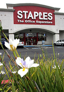 Staples Offers Free Resumes and Business Cards
