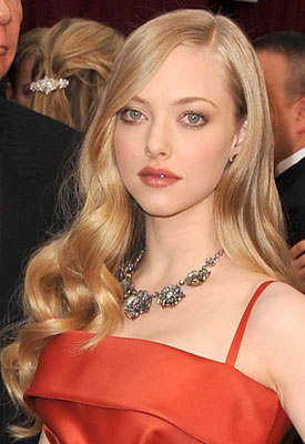 Amanda Seyfried at 2009 Oscars: Photo of Hair and Makeup