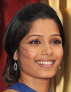 Freida Pinto Oscars 2009: Photo of Her Academy Awards Hair and Makeup