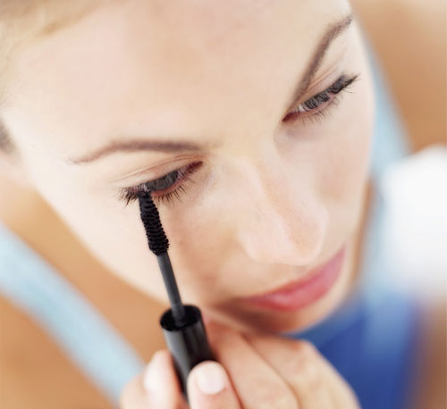 Seven Top-Rated Drugstore Mascaras That Won't Bust the Budget