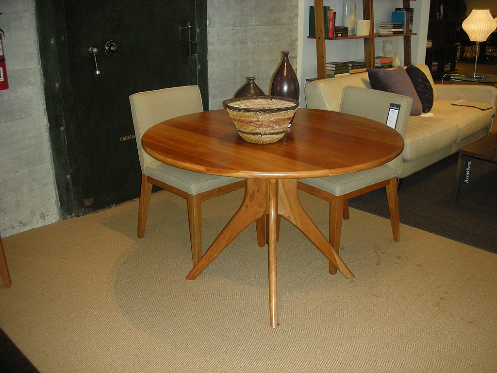 Ever a fan of the Bradshaw Cocktail Table, I was excited to see the design interpreted as a dining table. I adore those starburst legs, and think the size and shape is ideal for city apartments.