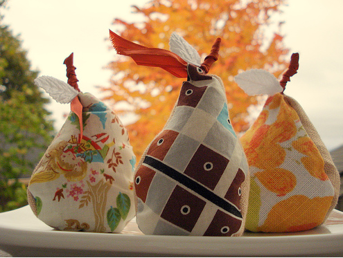 Keep your clothing smelling fresh by adding these pretty pear sachets.