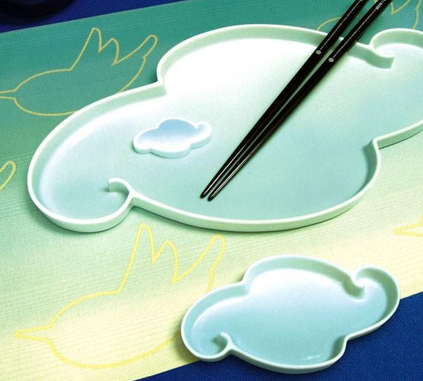 The Stefano Giovannoni Birds & Clouds Sushi Set may be meant for raw fish, but I'd use it as a catchall for jewelry. Its cartoonish clouds make the most of bad weather.