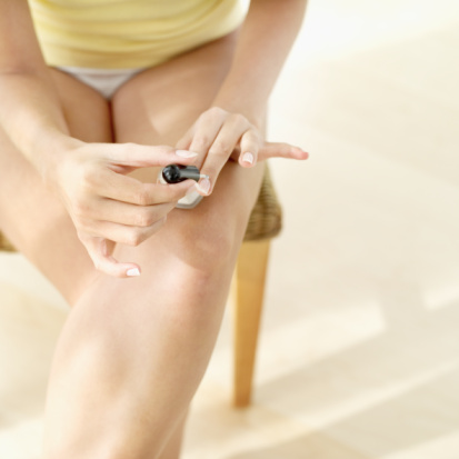 The How-To Lounge: Dealing with a Chipped Fingernail