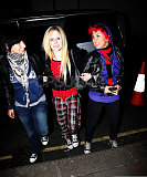 Avril-is-a-punk-rocker-3
