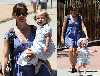Jen and Violet Hit The Zoo In Style