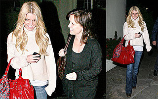Jessica Simpson Checks in With the Parentals