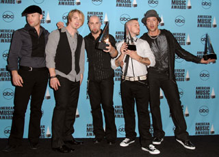 Sugar Bits — Daughtry Has Top-Selling Album of 2007
