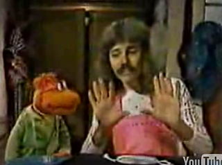 "Flashback: Magician Doug Henning On ""The Muppet Show"""