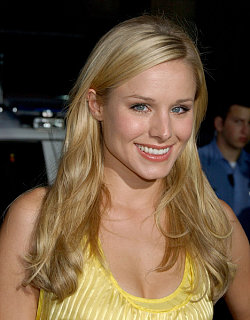 Kristen Bell on the Set of Forgetting Sarah Marshall