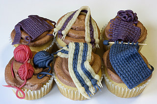 Yummy Link: Knit Night Cupcakes