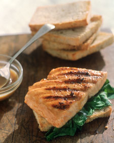 Fast & Easy Dinner: Grilled Salmon Sandwich