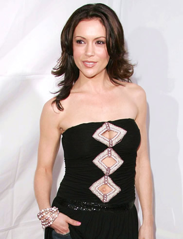 WHO IS MORE ATTRACTIVE : ALYSSA MILANO OR SHANNON DOHERTY
