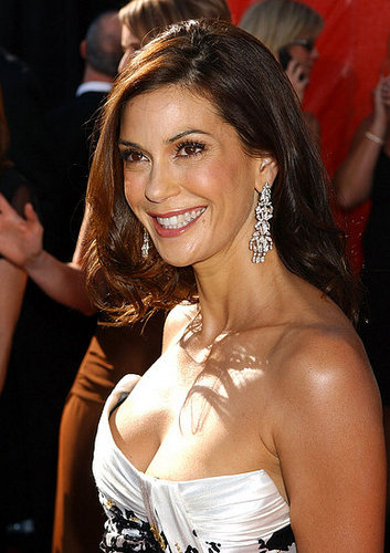 WHOS MORE ATTRACTIVE PART 11: TERI HATCHER OR EVA LONGORIA?