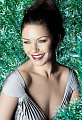 How To: Get Catherine Zeta-Jones Everything Glows Look 