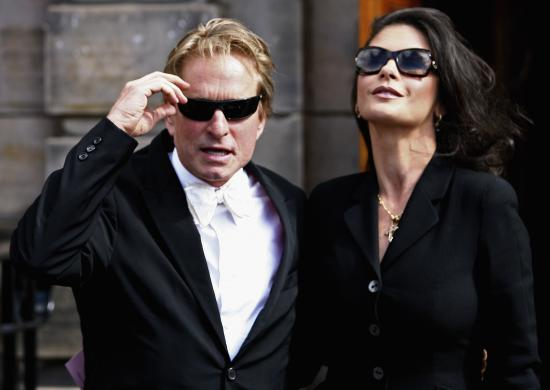 03901_Catherine_Zeta_Jones_Michael_Douglas_Honorary_Degree_Presentation_02