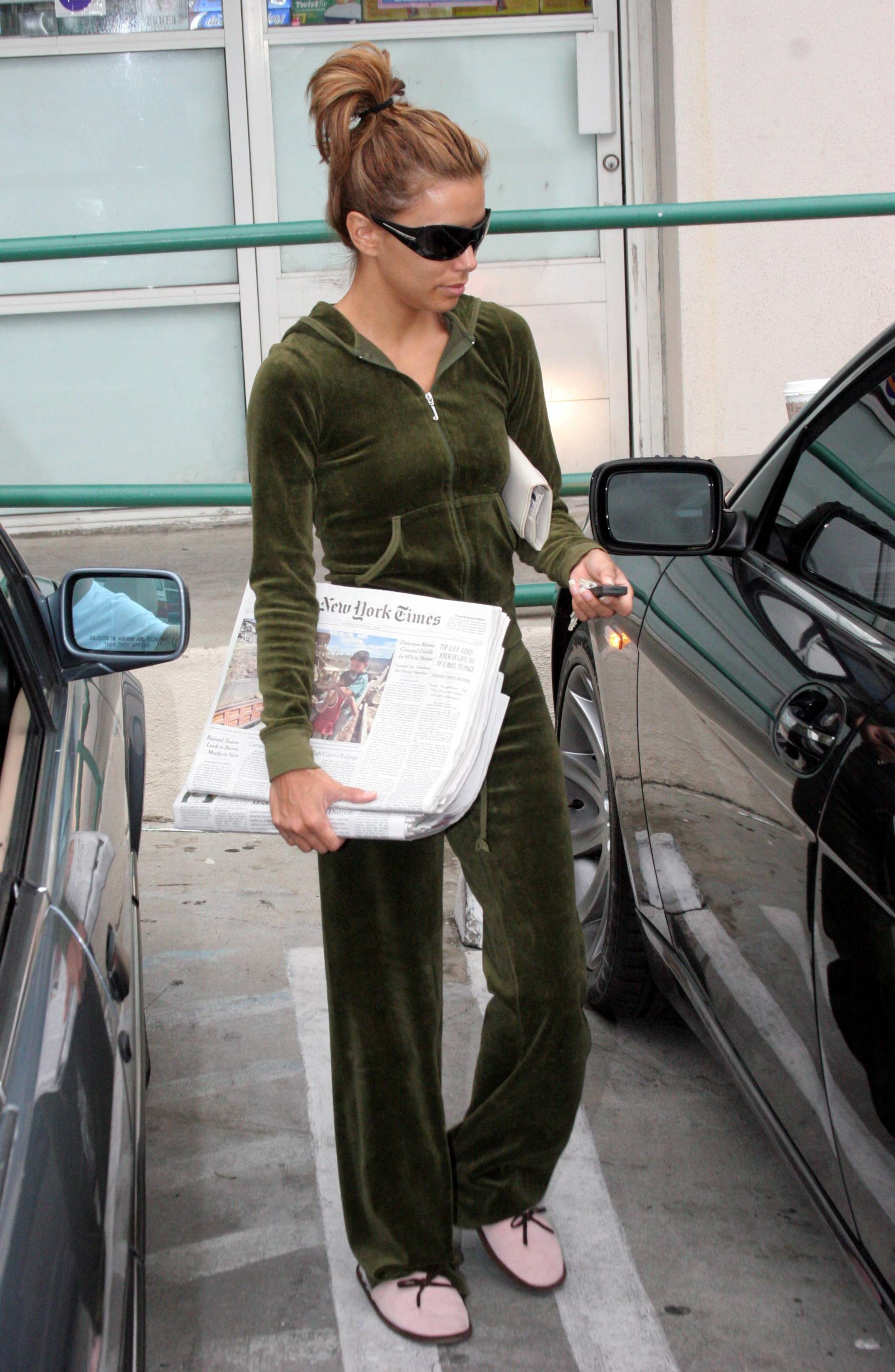 61350_eva_longoria_dot_net_hollywood2006oct1_008_122_379lo