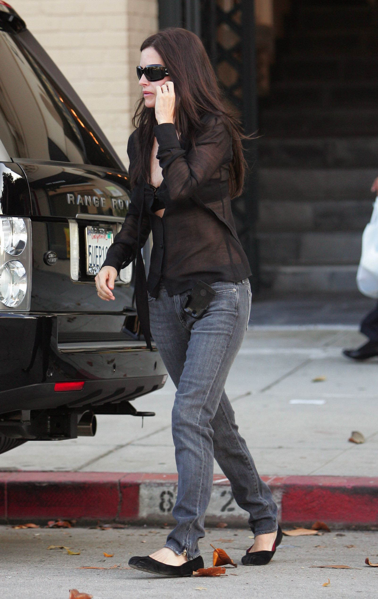 69827_Courteney_Cox_006_122_367lo