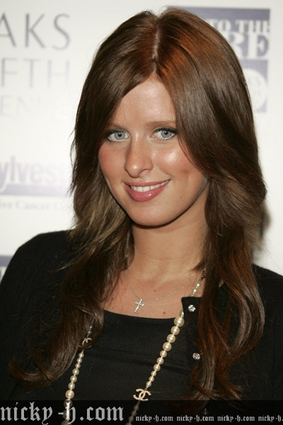Nicky_Hilton_Visits_Saks_Fifth_Avenue_s_Key_to_the_Cure_Benefit_001