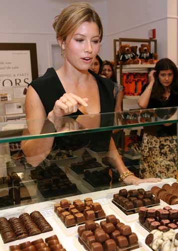 Jessica Biel Eats Chocolate Too!