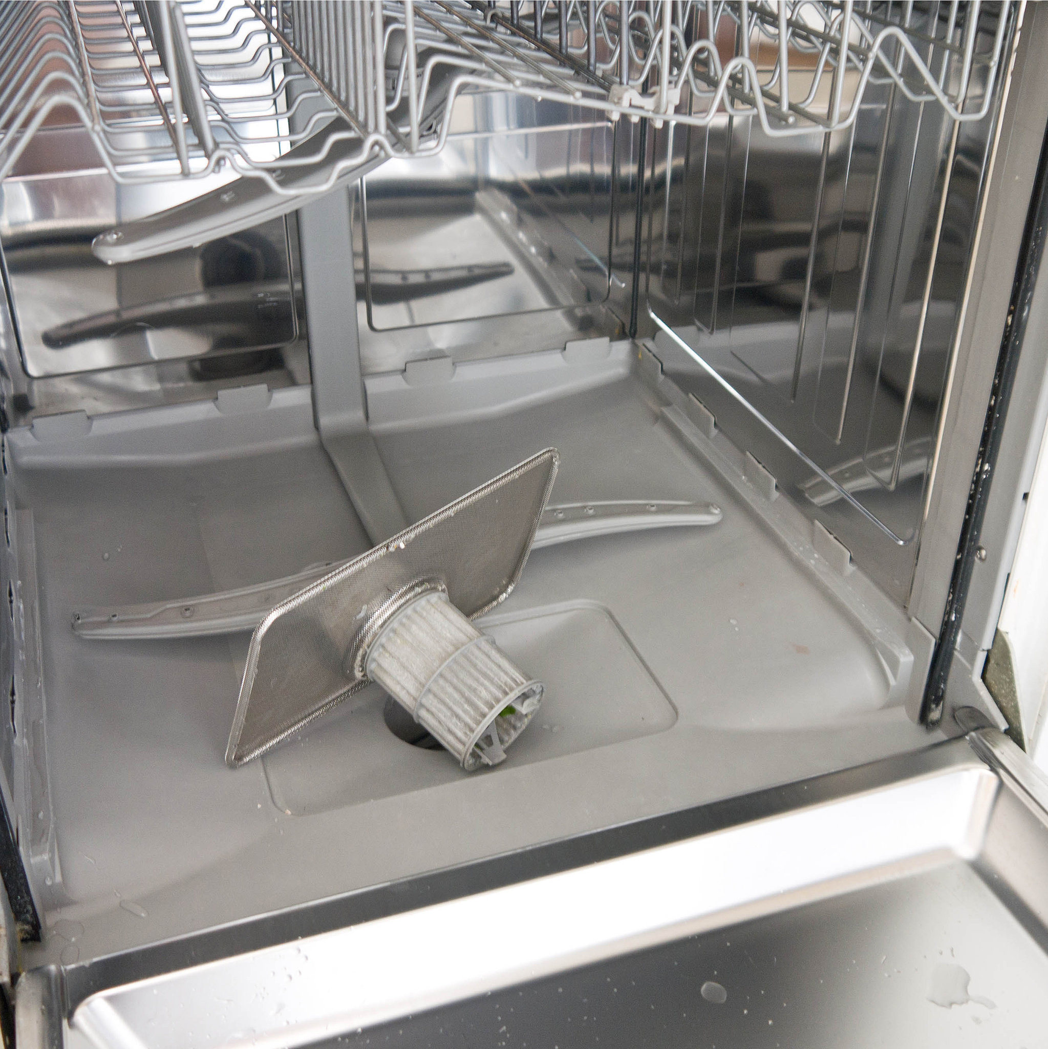 How To Clean Your Dishwasher Popsugar Smart Living Uk